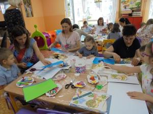 Dzień Matki i warsztaty plastyczne