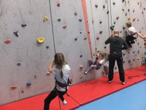 Zajęcia sportowe w Powiatowej Hali Sportowej